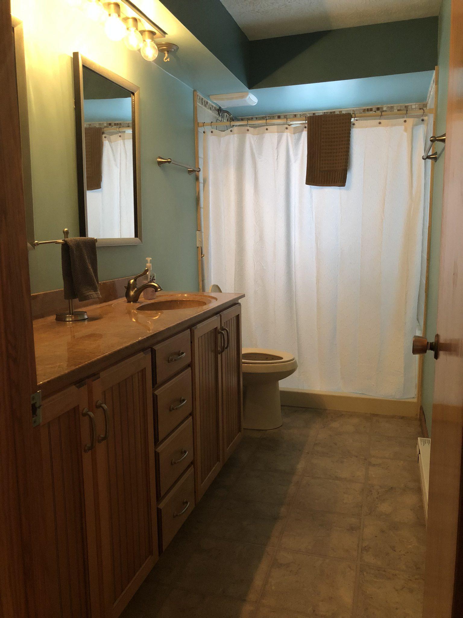 Aruba main bathroom